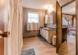 MLS # 01/2021: Spacious Bathroom